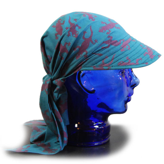 bandana hat with mauve geckos